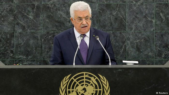 Palestinian President Mahmoud Abbas addresses the 68th United Nations General Assembly at U.N. headquarters in New York, September 26, 2013. REUTERS/Justin Lane/Pool (UNITED STATES - Tags: POLITICS)