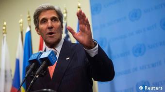 US-Außenminister Kerry berichtet der Presse von den Gesprächen mit seinem iranischen Kollegen (Foto: REUTERS/Eric Thayer)
