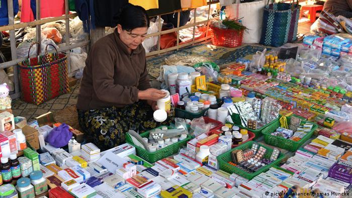 Prodavačica 'lijekova' u Inle Lake