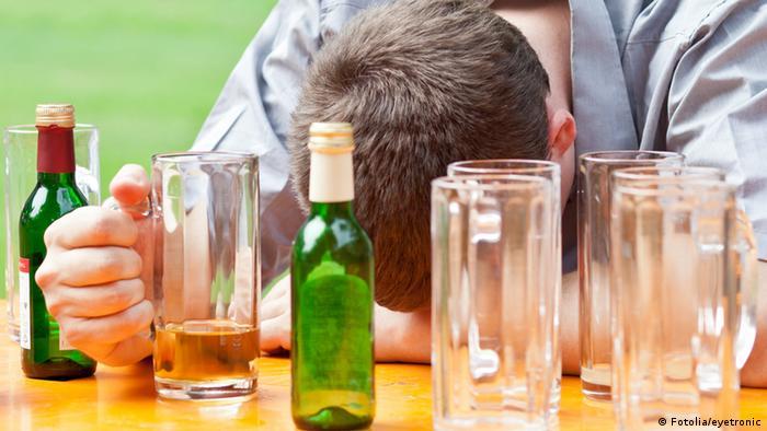 Symbolbild Alkoholvergiftung