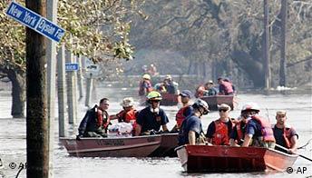 Freies Bildformat: New Orleans, Rettungsboote