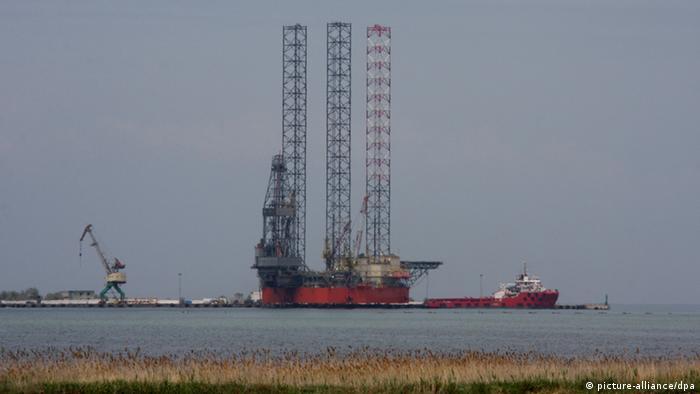 Нефтедобывающая платформа в Черном море