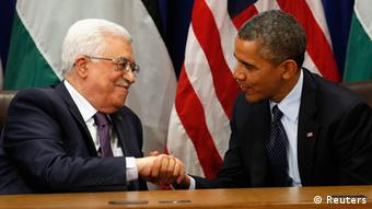 U.S. President Barack Obama (R) meets with Palestinian President Mahmoud Abbas during the United Nations General Assembly in New York September 24, 2013. REUTERS/Kevin Lamarque (UNITED STATES - Tags: POLITICS)