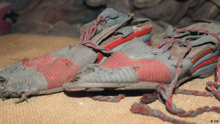 Prisoners shoes from Auschwitz (DW)