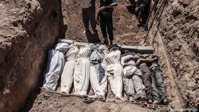 Massengrab in Syrien 21.08.2013 (picture alliance/ZUMA Press)