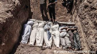 Mass grave in Syria