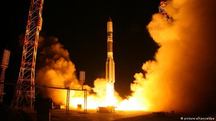 Запуск ракеты-носителя Протон-М на Байконуре