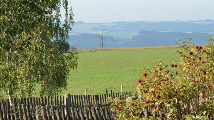 Weite Landschaft: Blick vom früheren deutsch-deutschen Grenzübergang Juchhöh, zwischen Hof (Bayern) und Schleiz (Thüringen) - Foto: Karin Jäger (DW)