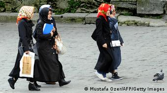 Turkish women wearing headscarves. (Photo: MUSTAFA OZER/AFP/Getty Images)
