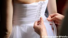 Symbolbild Hochzeit Hochzeitskleid