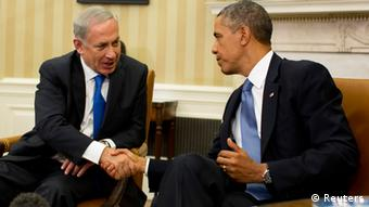 U.S. President Barack Obama shakes hands with Israeli Prime Minister Benjamin Netanyahu in the Oval Office of the White House in Washington, September 30, 2013. REUTERS/Jason Reed (UNITED STATES - Tags: POLITICS)