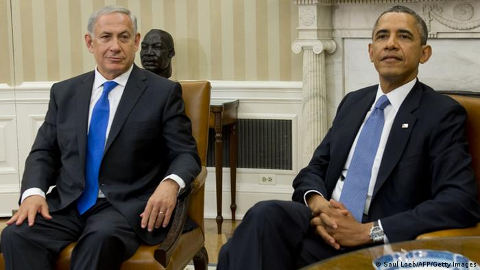 US President Barack Obama (R) and Israeli Prime Minister Benjamin Netanyahu hold a meeting in the Oval Office of the White House in Washington, DC, September 30, 2013. AFP PHOTO / Saul LOEB (Photo credit should read SAUL LOEB/AFP/Getty Images)