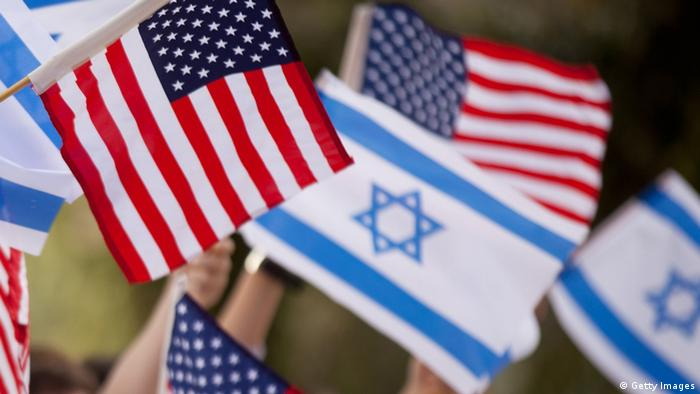 Israeli and US flags (Photo by Uriel Sinai/Getty Images)