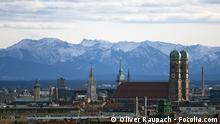 Stadtsicht München mit Bergen