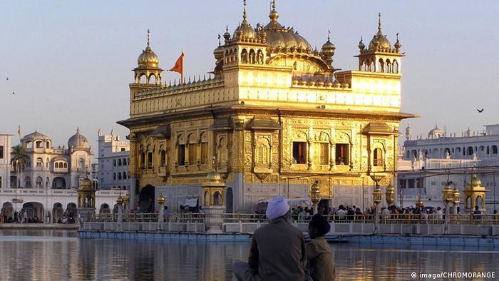 Bildergalerie Gold in Indien Amritsar (imago/CHROMORANGE)