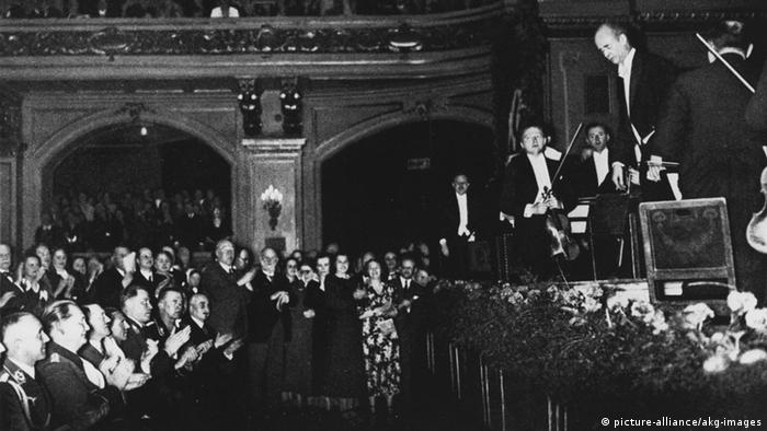 Wilhelm Furtwängler conducting in front of Hitler
