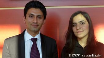Jamshed Haidery und Zarifa Jalali, afghanische Master-Graduierte (Foto:DW)