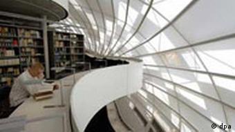 Die neue Bibliothek der FU Berlin, Sir Norman Foster