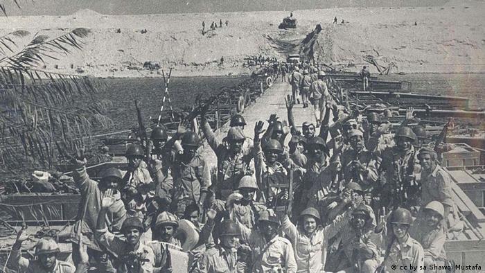 Ägyptische Soldaten am Suezkanal