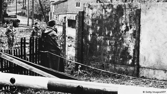 Grenzsoldaten in Mödlareuth (1966) - Foto: Bundesgrenzschutz (AFP)