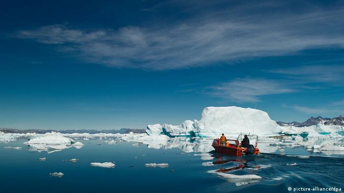 Inuit fishing expedition