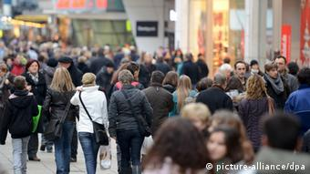 Τα τελευταία χρόνια οι εργαζόμενοι στη Γερμανία είδαν τους μισθούς τους να αυξάνονται με το σταγονόμετρο