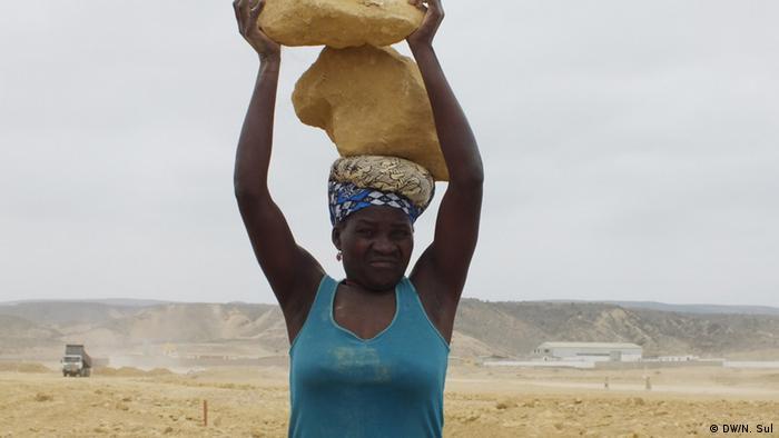 وضعیت اشتغال زنان در قاره آفریقا از کشوری به کشور دیگر بسیار متفاوت است