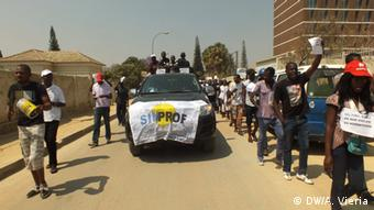 Demonstration der SINPROF in Lubango, Angola
