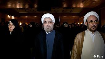 علی یونسی مشاور رئیسجمهور در امور اقوام: دولت تحت فشار است، اما به تلاش خود ادامه میدهد