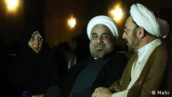 علی یونسی مشاور ویژه روحانی میگوید، حقوق اقلیت ها را طبق وعده هایی رئیس جمهوری پیگیری خواهیم کرد
