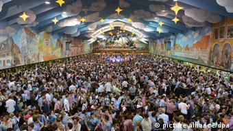 München Oktoberfest Hacker Festzelt