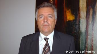 Porträt von Ilias Anagnostopoulos, Professor für Strafrecht an der Universität Athen (Foto: DW/Papadimitriou)