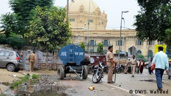 Title- Backwardness in India A dirty lane in front of UP's Vidhan Sabha (State Parliament) at Lucknow (Place) Uttar Pradesh on (Date) 04-10-2013 Keywords : Poverty , India, mismanagement, Lucknow Bilder, geschickt von unserem Korrespondenten in Lucknow Suhail Waheed. Zulieferer: Mahesh Jha