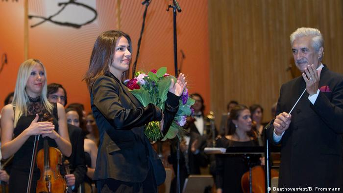 Zeynep Gedizlioğlu, 2013 yılında Beethoven Festivali için bestelediği Durak ile Bonn'daki festivale ilk kez katılmıştı.