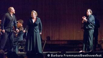 A scene from the staging of Fidelio at the 2013 Beethovenfest Copyright: Barbara Frommann/Beethovenfest