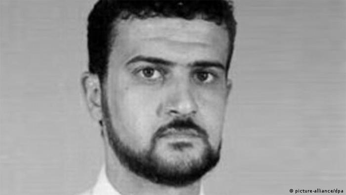 epa03898322 An undated handout picture made available by the US Federal Bureau of Investigation (FBI) on 06 October 2013 shows Nazih Abdul-Hamed al Raghie, also know as Anas al-Liby, who is wanted for Conspiracy to Kill United States Nationals, to Murder, to Destroy Buildings and Property of the United States, and to Destroy the National Defense Utilities of the United States. The suspected leader of the terrorist group al-Qaeda was captured 05 October 2013 in Libya, news reports said. Anas al-Liby, has been sought by the United States since at least the year 2000 when he was indicted in connection with the 1998 bombings of US embassies in Kenya and Tanzania. EPA/FBI BEST AVAILABLE QUALITY -- Black and White only HANDOUT EDITORIAL USE ONLY (zu dpa Gesuchter Al-Kaida-Anführer in Tripolis gefasst vom 06.10.2013)