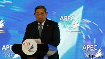 Indonesia's President Susilo Bambang Yudhoyono delivers his speech during the opening of the Asia-Pacific Economic Cooperation (APEC) CEO Summit in Nusa Dua, Indonesia resort island of Bali October 6, 2013. REUTERS/Beawiharta (INDONESIA - Tags: POLITICS BUSINESS)