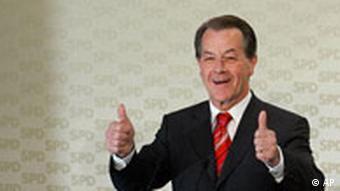 SPD feiert Abwahl ihres Kanzlers