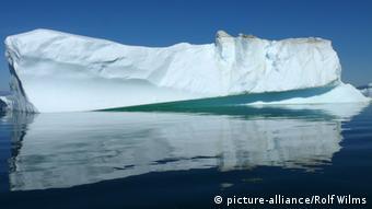 Grönland Eisberg mit Spiegelbild
