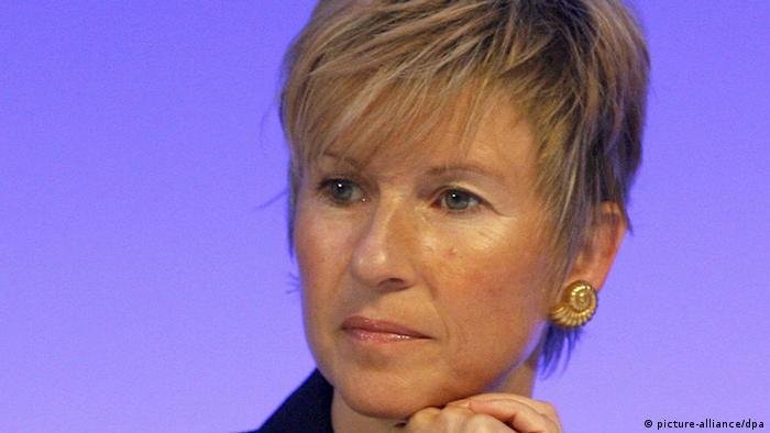 سوزانه کلاتن، از زنان میلیاردر دنیا؛ او صاحب ۱۷ میلیارد دلار دارایی و از سهامداران عمده اتومبیلسازی بی ام و است