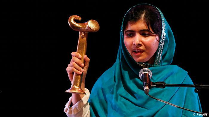 Pakistan Bloggerin Malala Yousafzai bekommt Anna Politkowskaja Preis