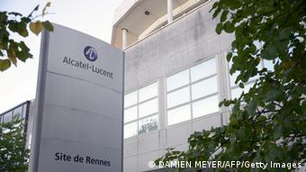 Frankreich Wirtschaft Telekomfirma Alcatel-Lucent Logo und Sitz