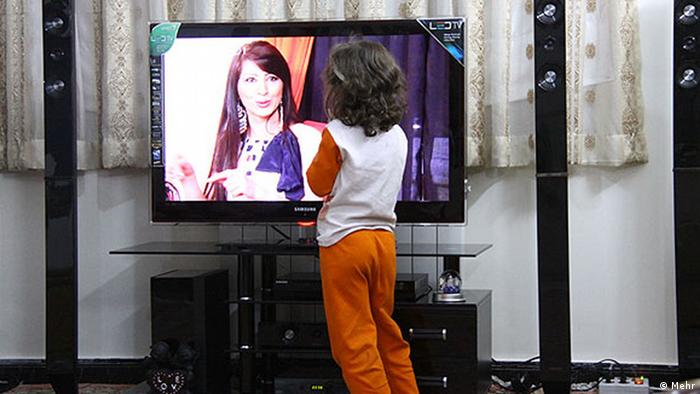 Familie Iran Kind Fernseher TV