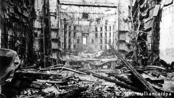 Баварская государственная опера после бомбардировки