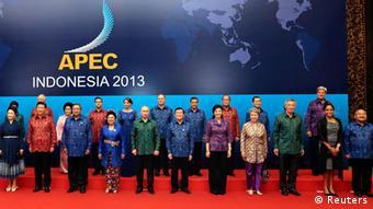 APEC-Gipfel Indonesien 2013 Gruppenbild