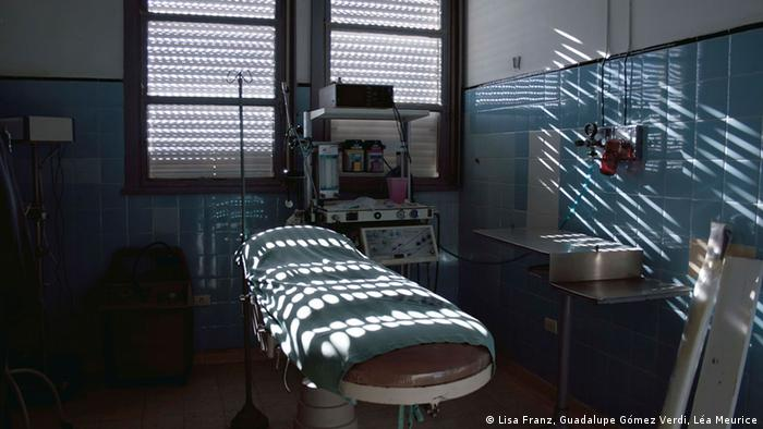 A Shock Room in a private hospital in Buenos Aires. (Copyright: Lisa Franz, Guadalupe Gómez Verdi, Léa Meurice)