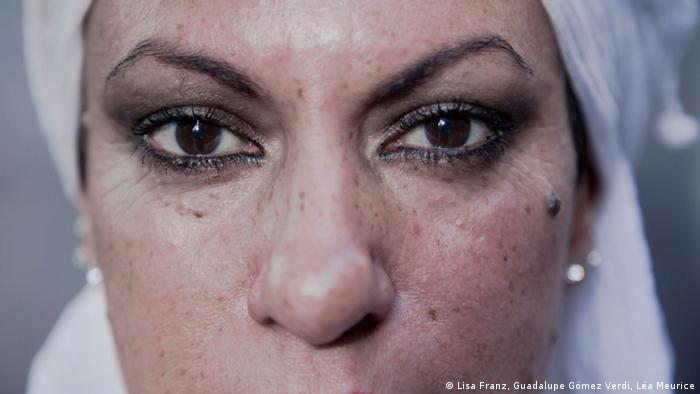 A portrait of Sonia Sánchez, showing only her eyes and nose. Her mouth has been cut off bby the camera. (Copyright: Lisa Franz, Guadalupe Gómez Verdi, Léa Meurice)
