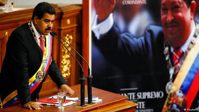 Venezuelan President Nicolas Maduro speaks at the National Assembly in Caracas October 8, 2013. (Photo: Jorge Silva / Reuters)