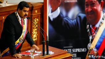En sus alocuciones, Maduro insiste en que la nueva mayoría opositora en la Asamblea Nacional desmontará el legado social del chavismo.