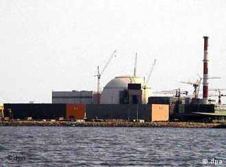 ایران میگوید که اولین محمولهی سوخت هستهای از روسیه به نیروگاه اتمی در دست احداث بوشهر رسیده است